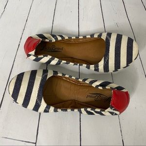 LUCKY BRAND white blue striped red elastic flats 7